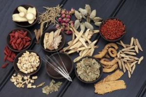Sử dụng bài thuốc đông y kết hợp với các thói quen sinh hoạt tốt để cải thiện rối loạn tiền đình