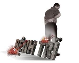 Những đối tượng hay ngồi nhiều, đứng lâu không hoạt động thì dễ mắc bệnh trĩ