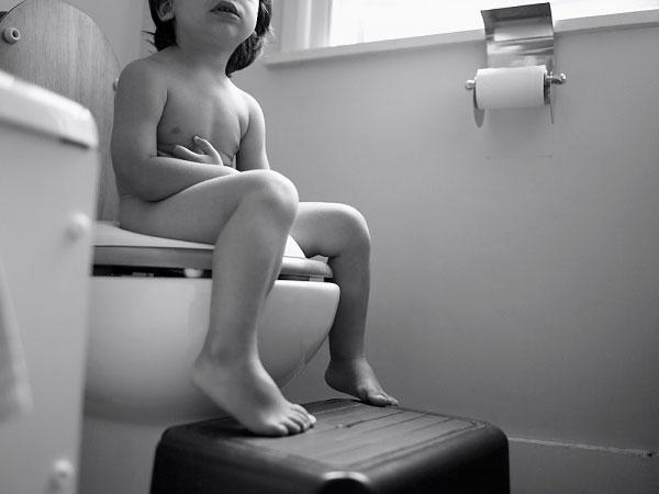 Điều trị táo bón bằng tắm dược liệu
