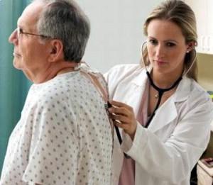 Cần khám sức khỏe định kỳ để phát hiện bệnh loãng xương sớm
