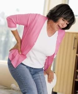Người già dễ mắc bệnh loãng xương