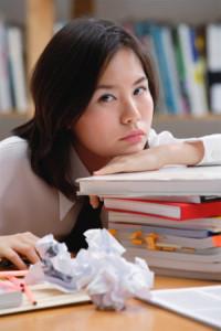 Nguyên nhân gây nên hiện tượng mất ngủ của học sinh, sinh viên