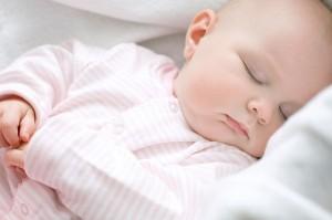 Trẻ nhỏ cần có thời gian ngủ hợp lý để phát triển toàn diện