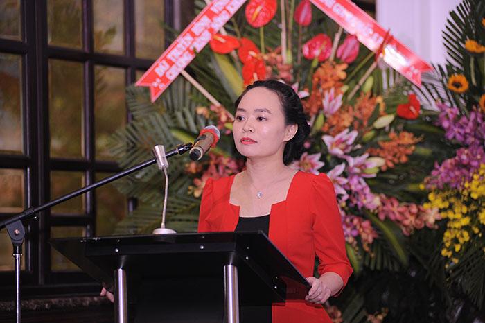 Dược sĩ Lê Phương, GĐ DP Vinh Gia chia sẻ chi tiết về công dụng vượt trội của các sản phẩm ra mắt năm 2016
