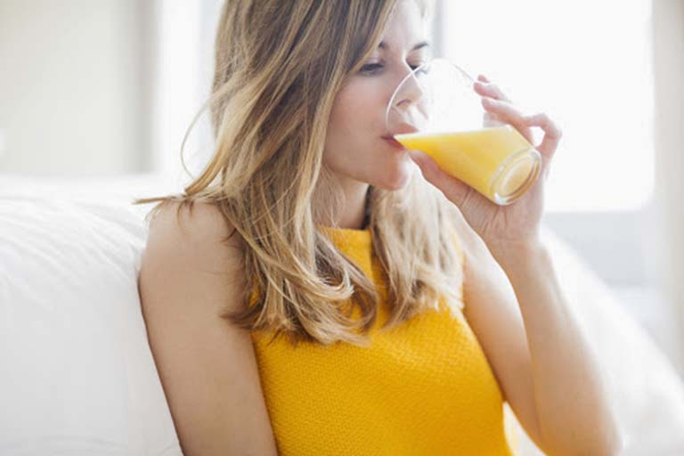 Tiêu chảy có nên uống nước cam?