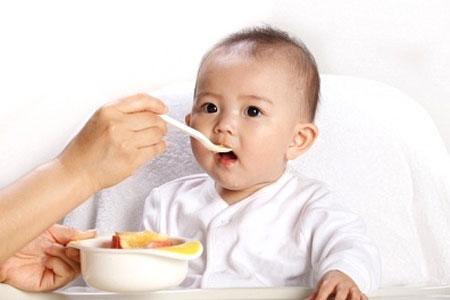 Trẻ tiêu chảy nên ăn gì?
