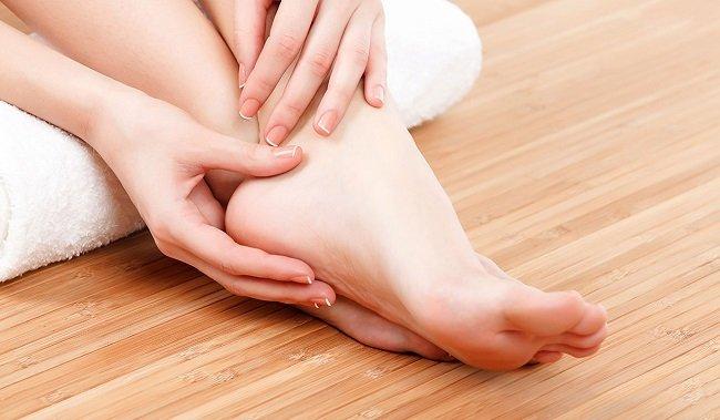 TOP 10 cách chữa bệnh tê chân tay hiệu quả từ chuyên gia