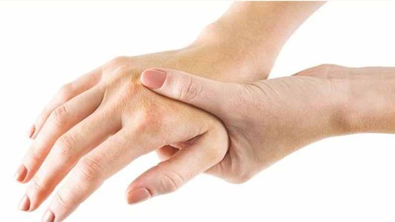Giải pháp bổ sung dưỡng chất cho người bị tê tay chân