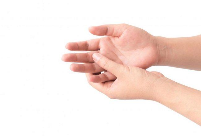 Các biện pháp điều trị bệnh tê bì tay chân
