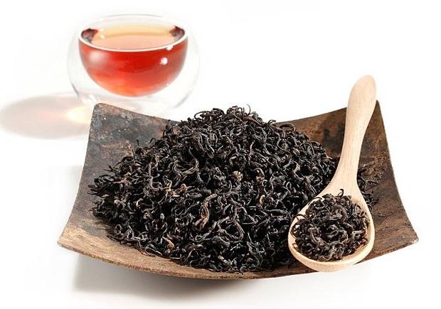 Bài thuốc dân gian chữa bệnh trĩ từ trà đen