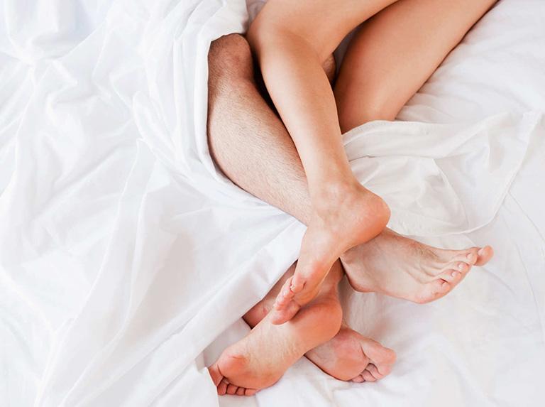 Giải đáp: Bệnh trĩ có ảnh hưởng đến quan hệ hay không?