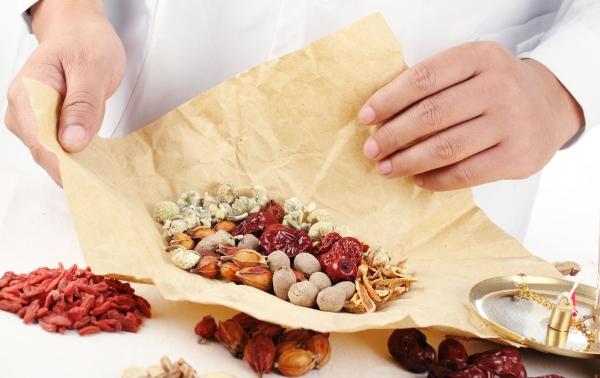 Tổng hợp các bài thuốc chữa viêm lộ tuyến cổ tử cung bằng Đông y