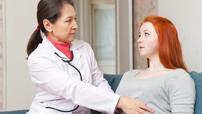 Chị em nên kiêng gì sau đốt viêm lộ tuyến?  Những cách điều trị hiệu quả