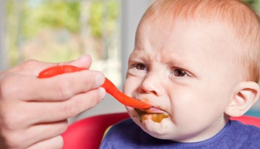 Làm gì khi trẻ biếng ăn ?