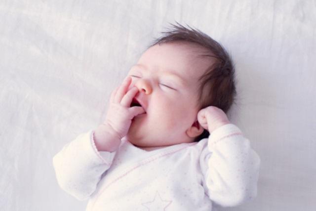 Trẻ sơ sinh biếng ăn phải làm sao ?