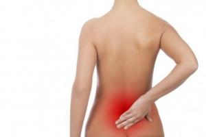 Đau lưng dưới gần mông do các bệnh lý nguy hiểm