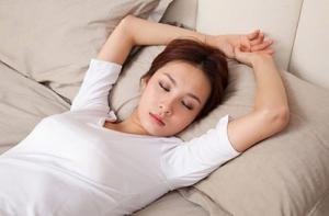 Cần làm gì khi bị đau lưng khi nằm ngửa?