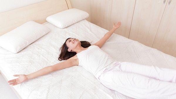 Đau lưng nên nằm nệm gì? Chọn nệm phù hợp với người bị đau lưng