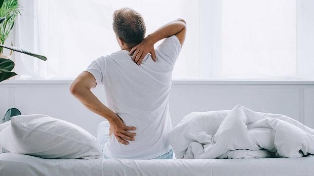 Bệnh đau lưng ở nam giới cần điều trị ra sao?