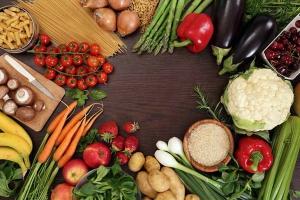 4 nhóm thực phẩm không nên ăn để tránh làm cho kinh nguyệt thêm rối loạn