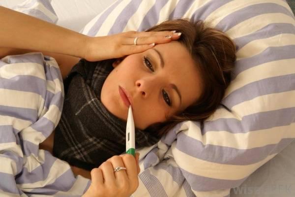 Phân biệt sốt siêu vi và sốt xuất huyết để có cách điều trị và phòng ngừa phù hợp